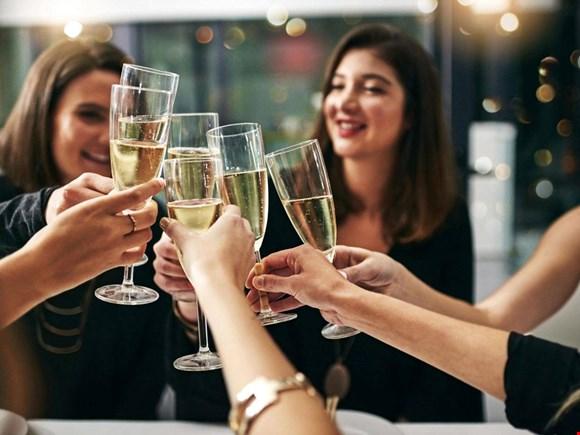 9 best low-sugar sparkling wines